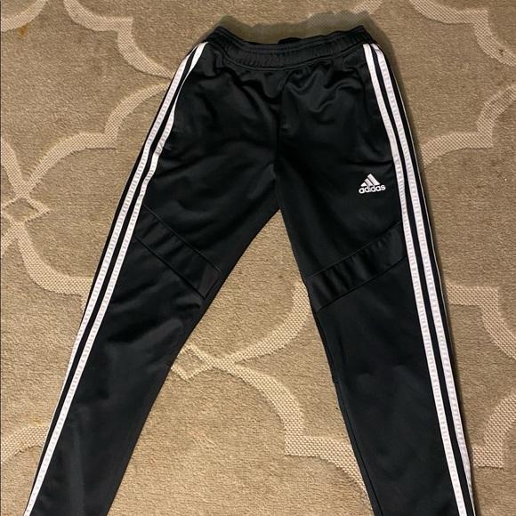 Adidas youth size medium warm up pants